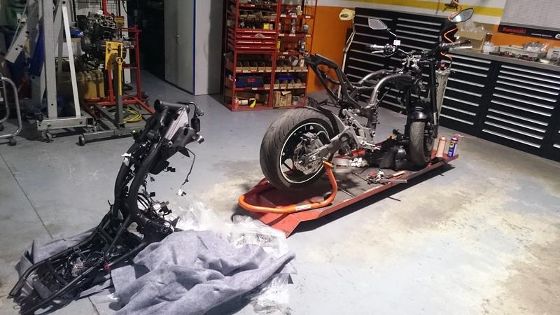 cambio de chasis Kawasaki Z75 patrickmotos elche alicante 01
